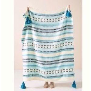 Woven Lakshmi throw blanket in blue